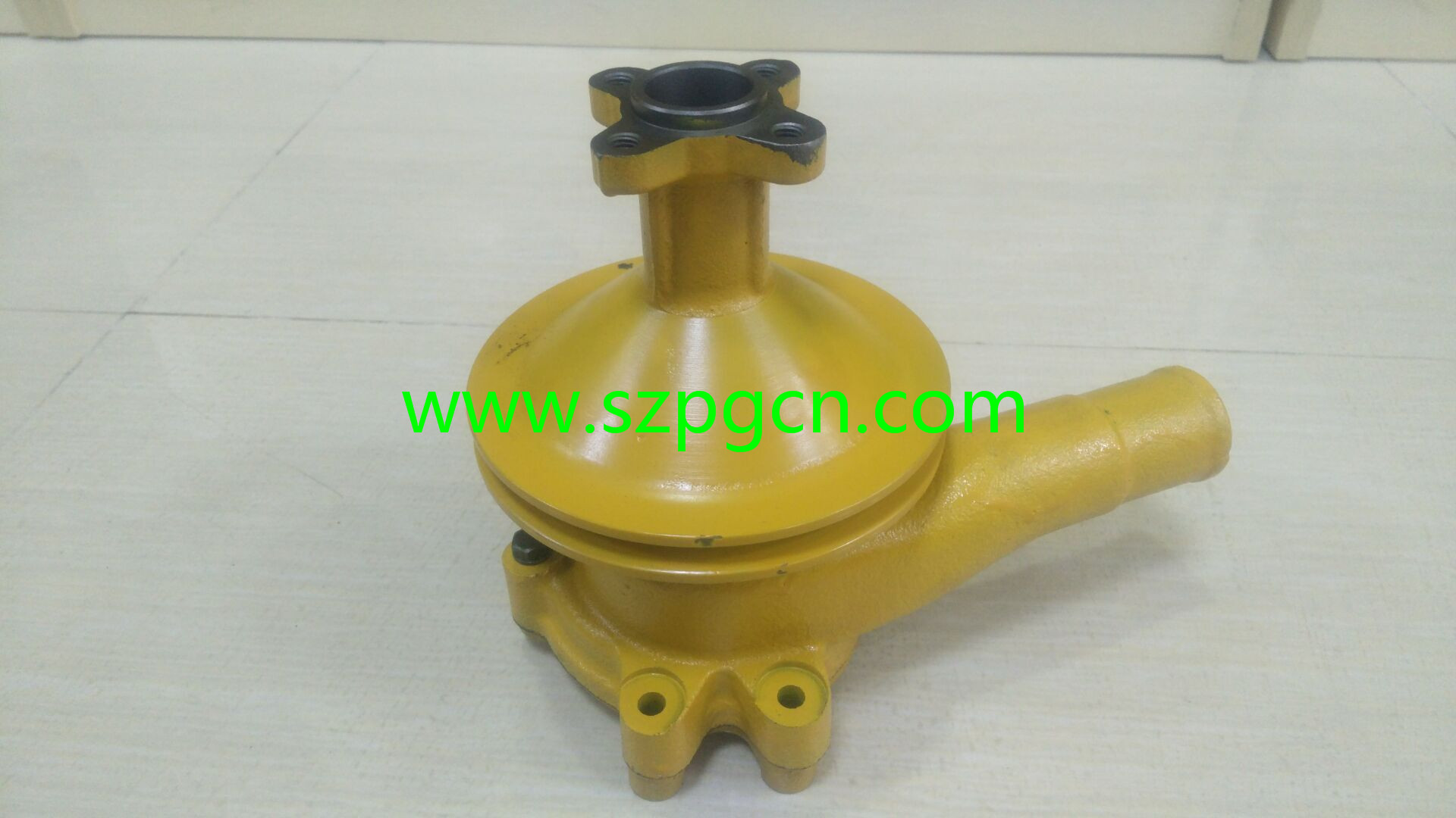 China Supplier 2D94 3D94 4D94  Water Pump 6144-63-1110 Cooling Pump for Excavator