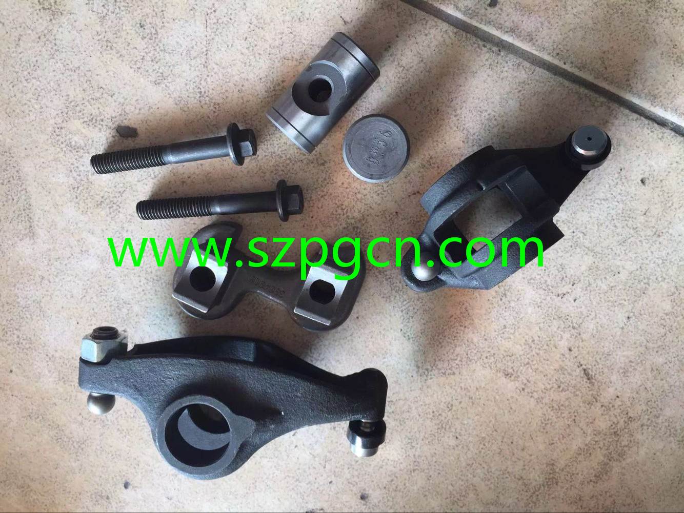6D107 VALVE ROCKER ARM ASSY