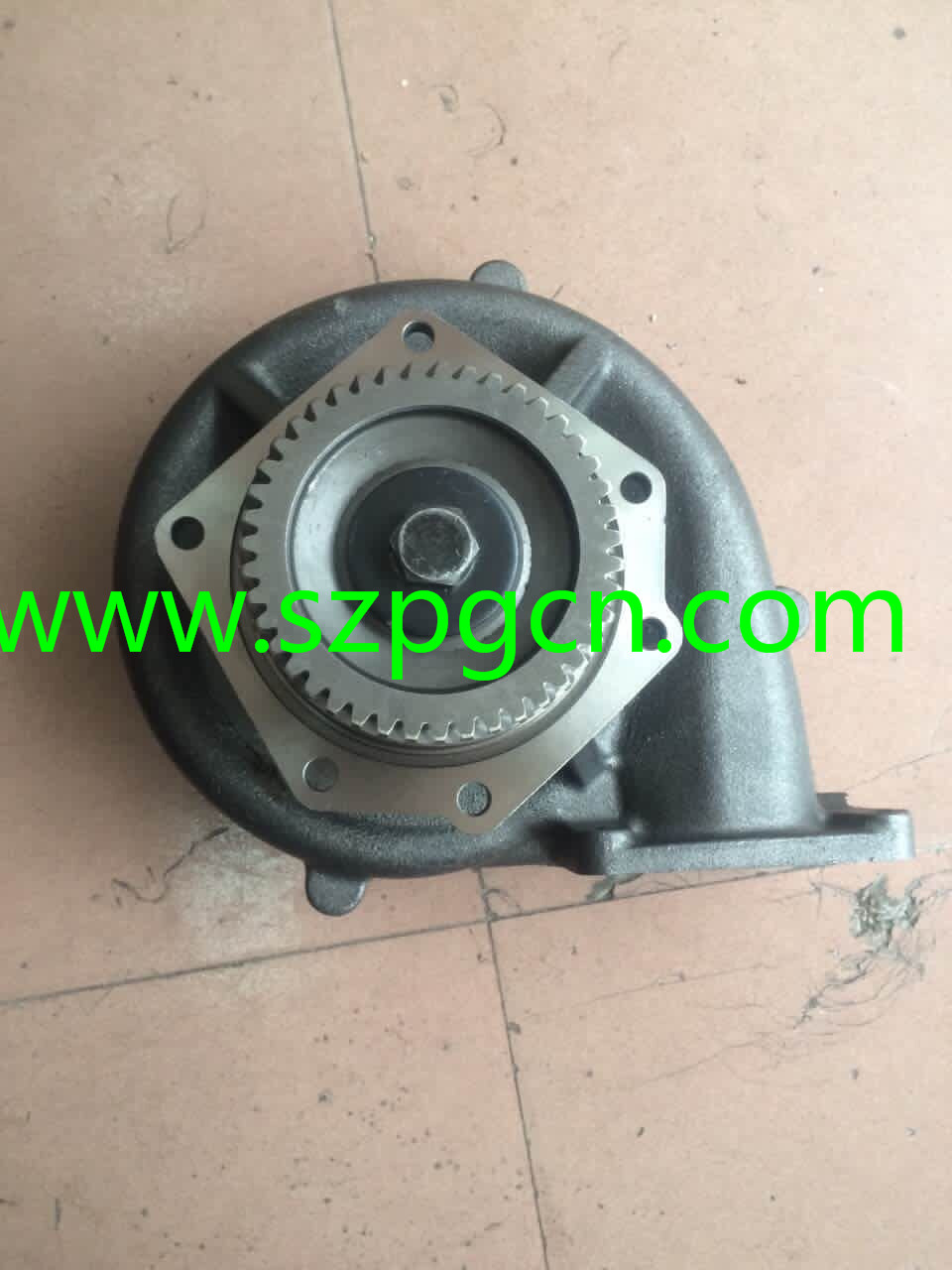 CAT D8L 4N7498 WATER PUMP